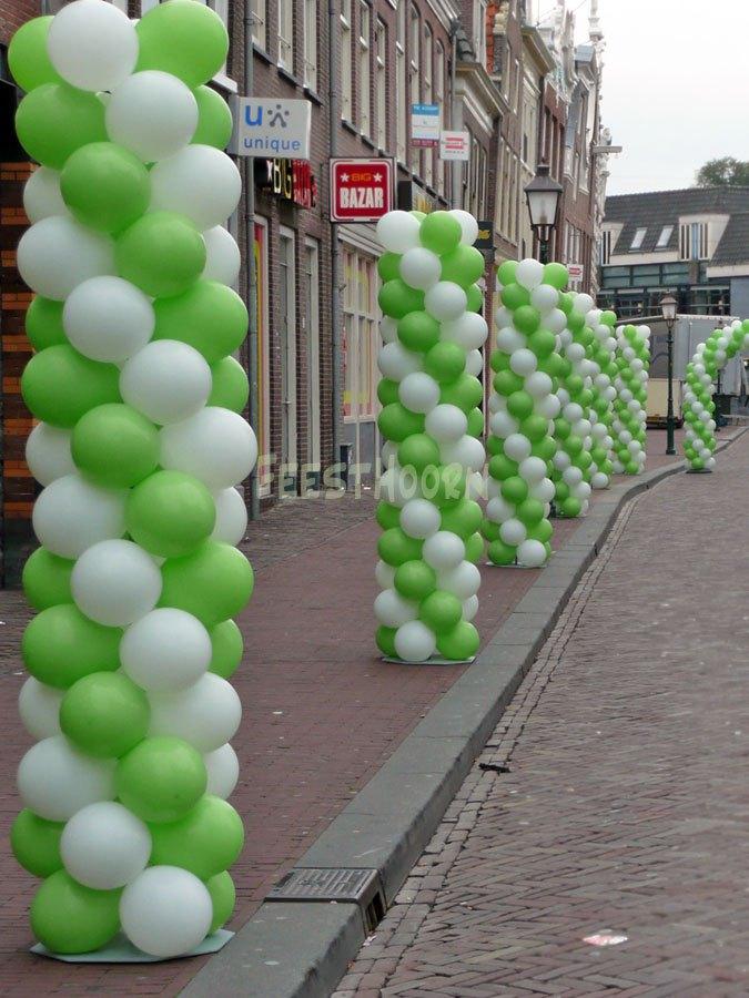 Ballonpilaren of n ballonpilaar van mooie ballonnen for Ballonnen decoratie zelf maken
