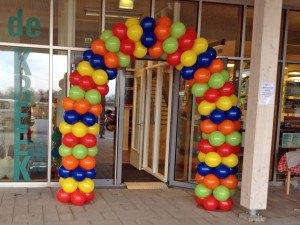 Gestapelde ballonnenboog
